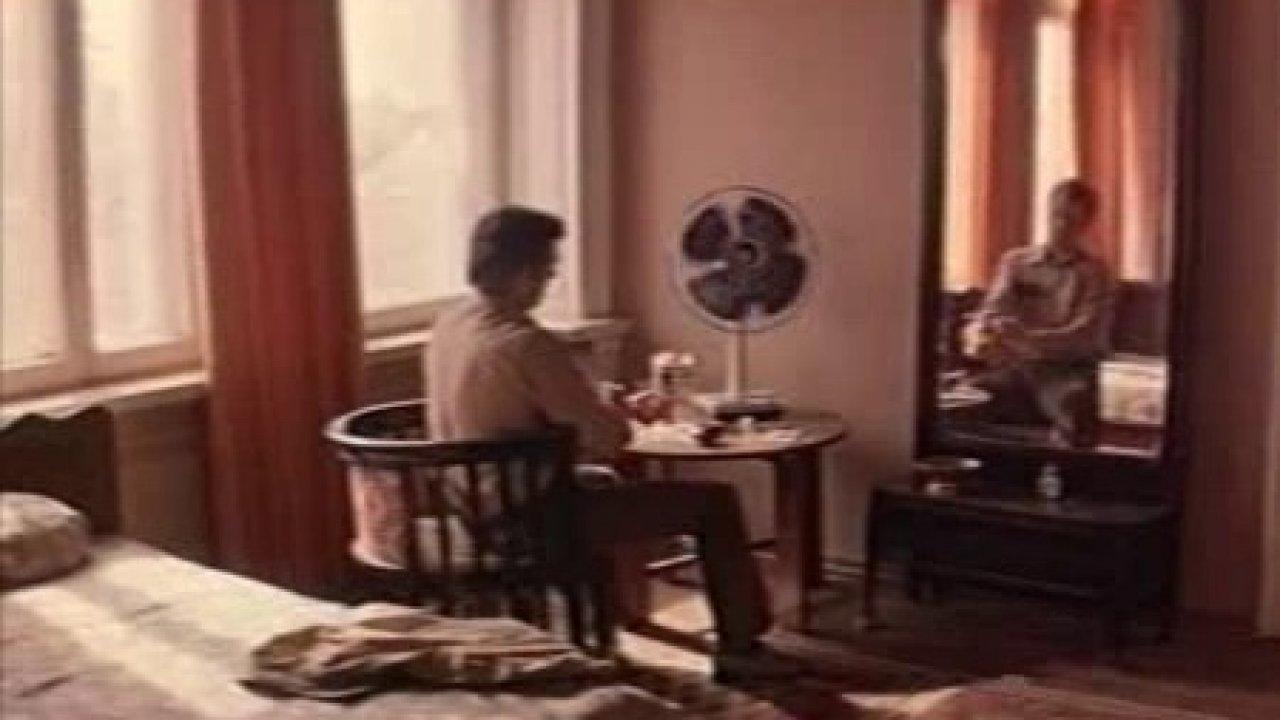 Человек, который брал интервью - Фильм, Детектив