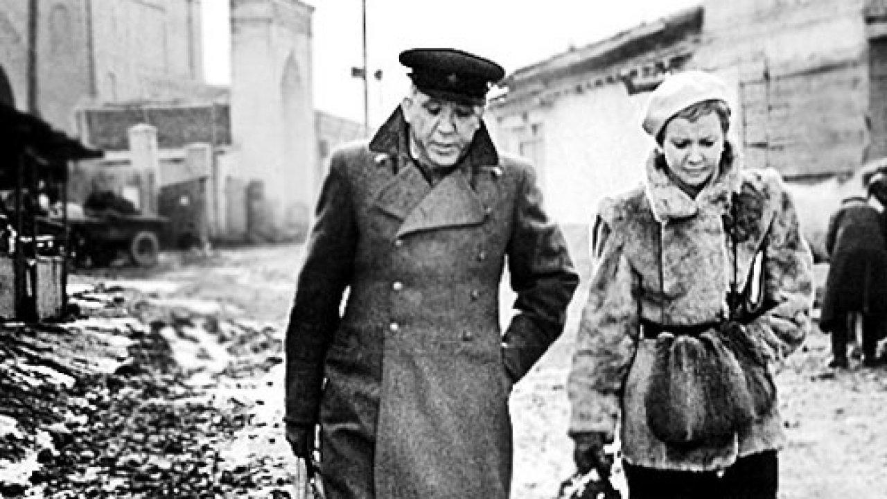 Двадцать дней без войны - Кинороман, Фильм