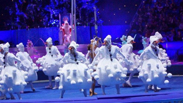 «Цирк Деда Мороза» распахнул двери!