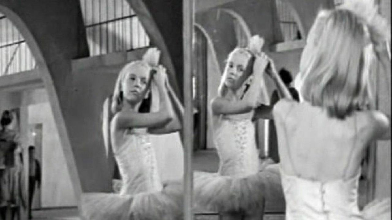 Девочка на шаре - Мелодрама, Фильм