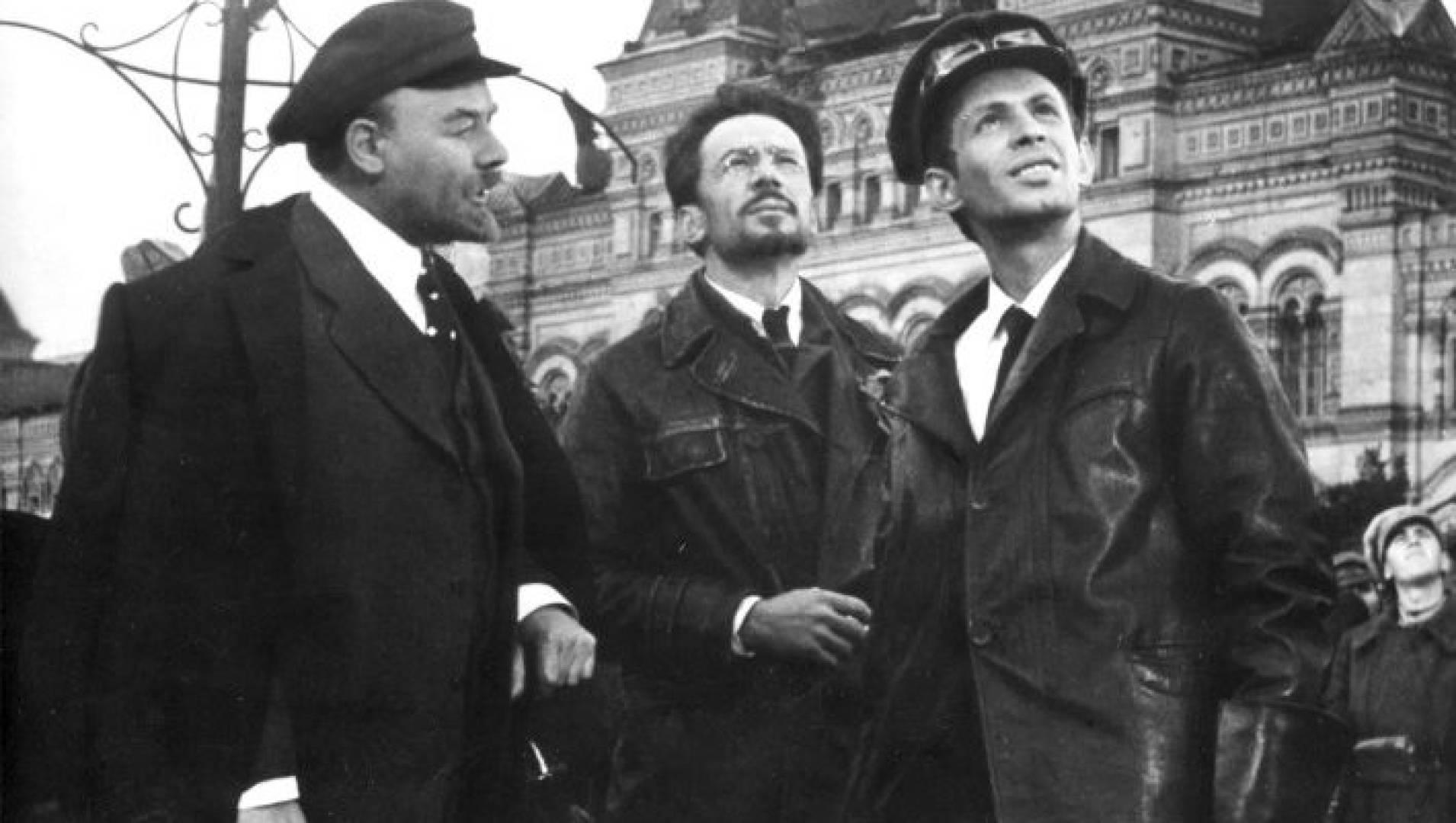 Красная площадь - Военный, Драма, Фильм