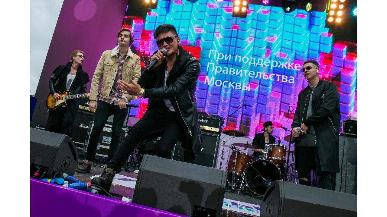 MBAND / Звёзды «Музыки Первого» поздравили Москву с Днём города