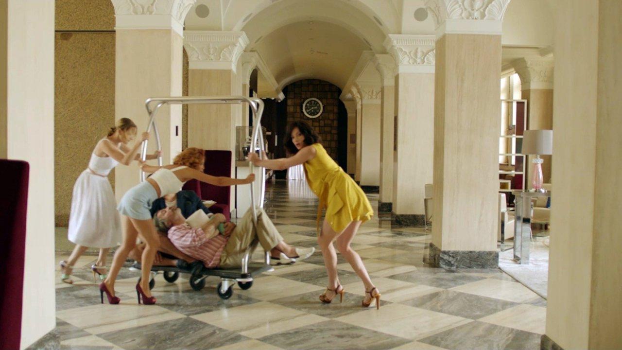 Одноклассницы: Новый поворот - Комедия, Фильм