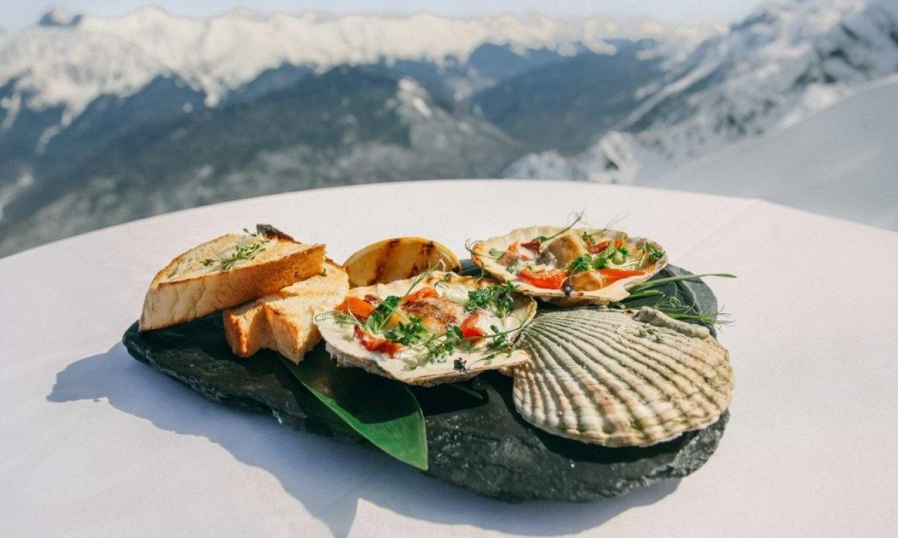 Фото: ресторан «Высота 2320»