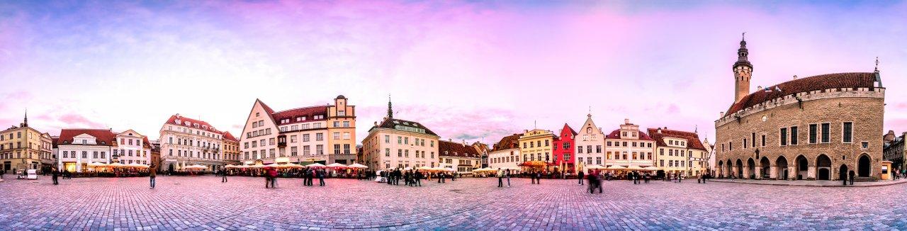 Ратушная площадь в Таллине. Фото: Ints Vikmanis / Shutterstock