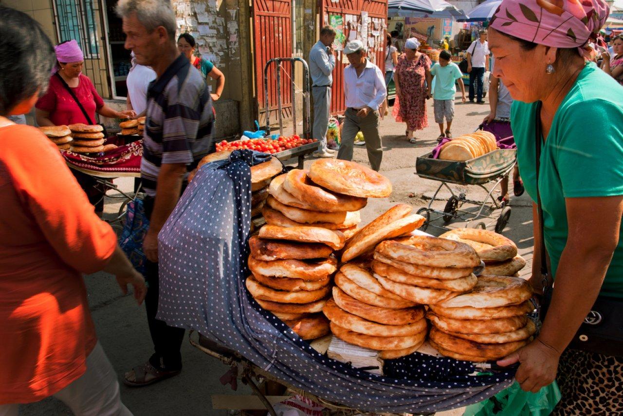 Рынок в Бишкеке. Фото: Radiokafka / Shutterstock