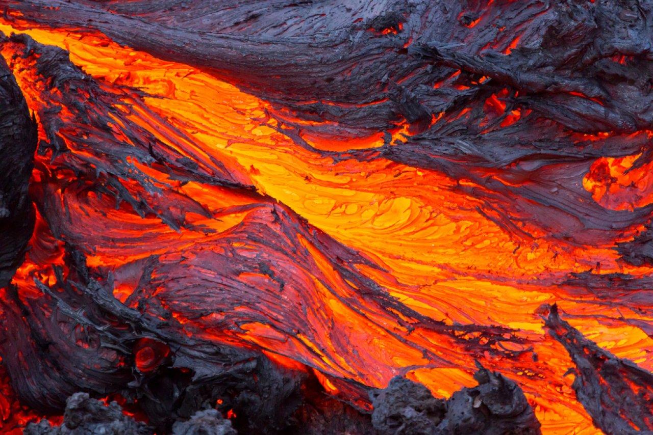 Извержение вулкана Толбачик. Фото: Денис Будьков / Shutterstock