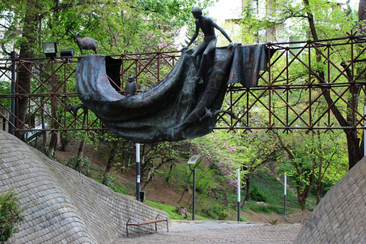 Парк «Мзиури» в Тбилиси. Фото: Andrii Zhezhera / Shutterstock