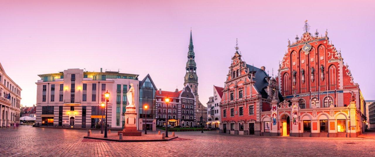 Ратушная площадь в Риге. Фото: Ints Vikmanis / Shutterstock