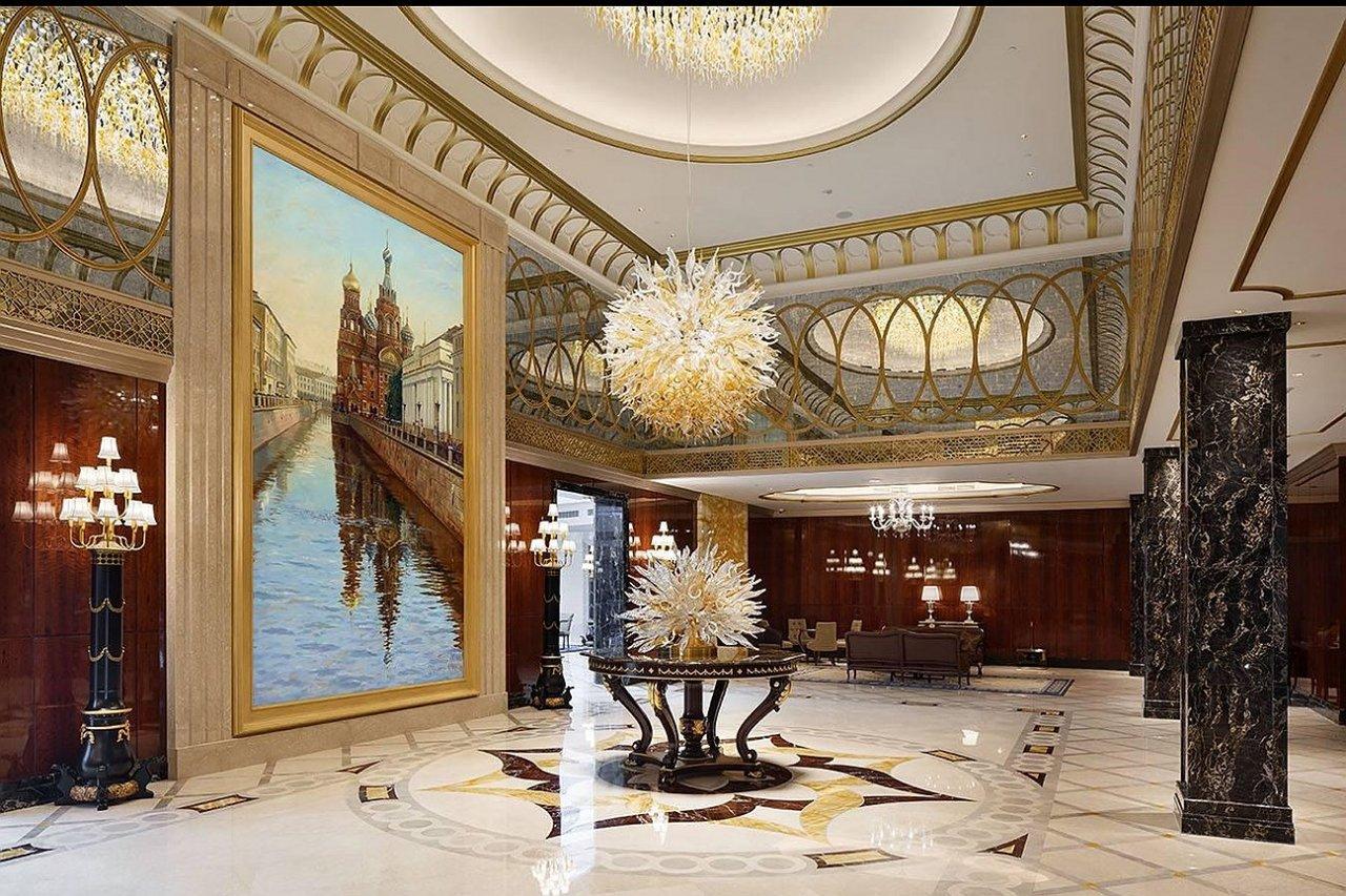Лобби в «Лотте Отель Санкт-Петербург»