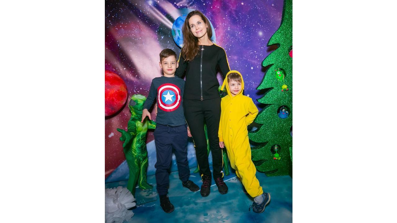 Детские новогодние ёлки в Москве прошли при поддержке телеканала «О!»