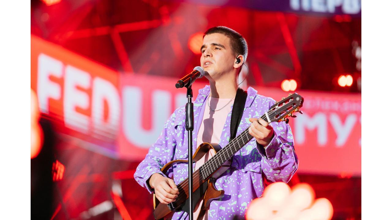Грандиозный концерт звёзд «Музыки Первого»