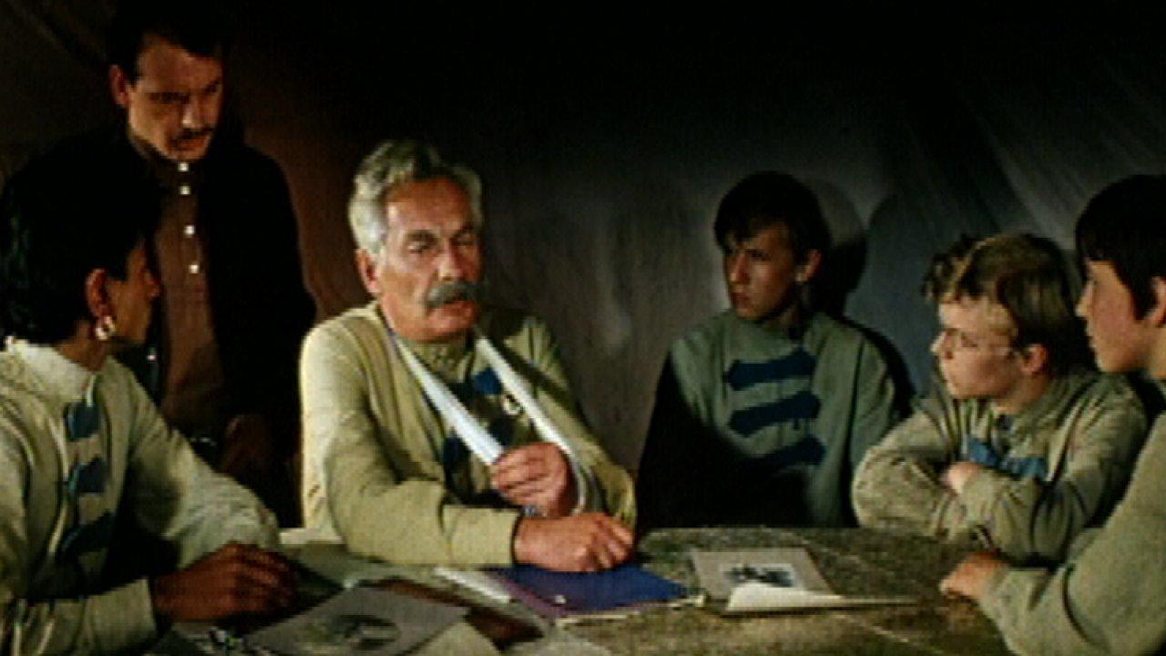 Новые приключения неуловимых - Фильм, Приключения